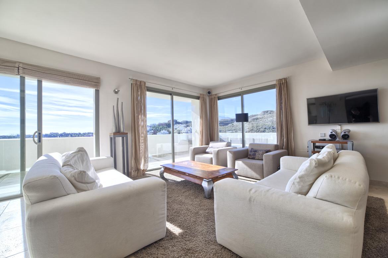 Best home takl genhet i marbella costa del sol for Living room 101